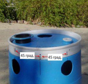 Боковые отводы из бочек располагаем под углом 90 градусов друг от друга